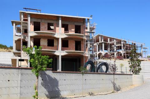 В России увеличили налог на недостроенные дома